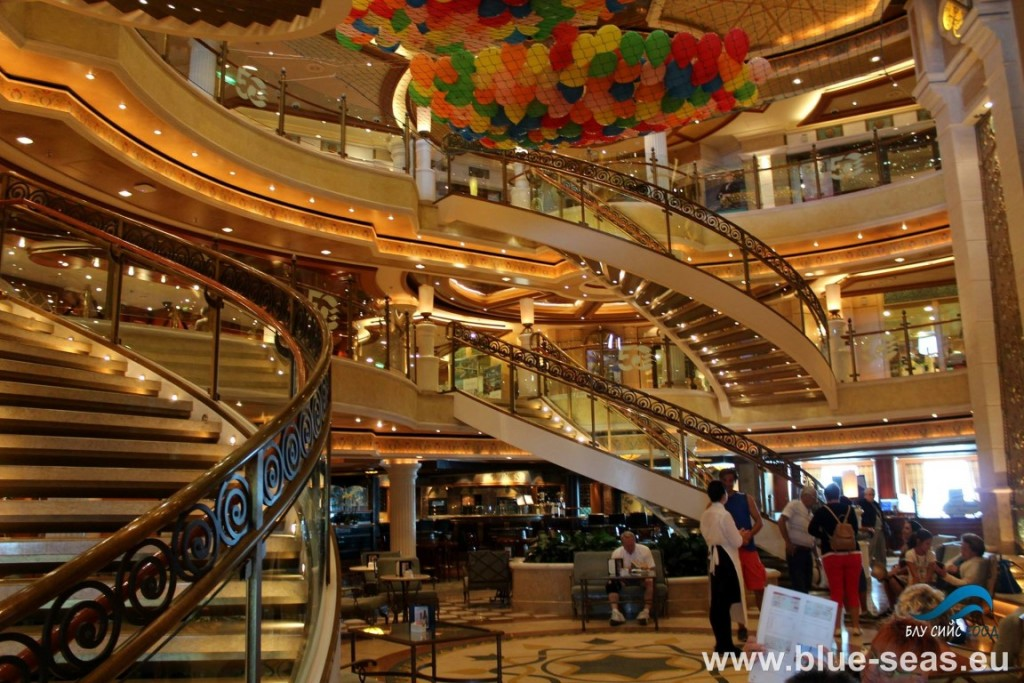 Atrium_Emerald_Princess 1